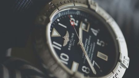 automatic vs. hand wind watch breitling