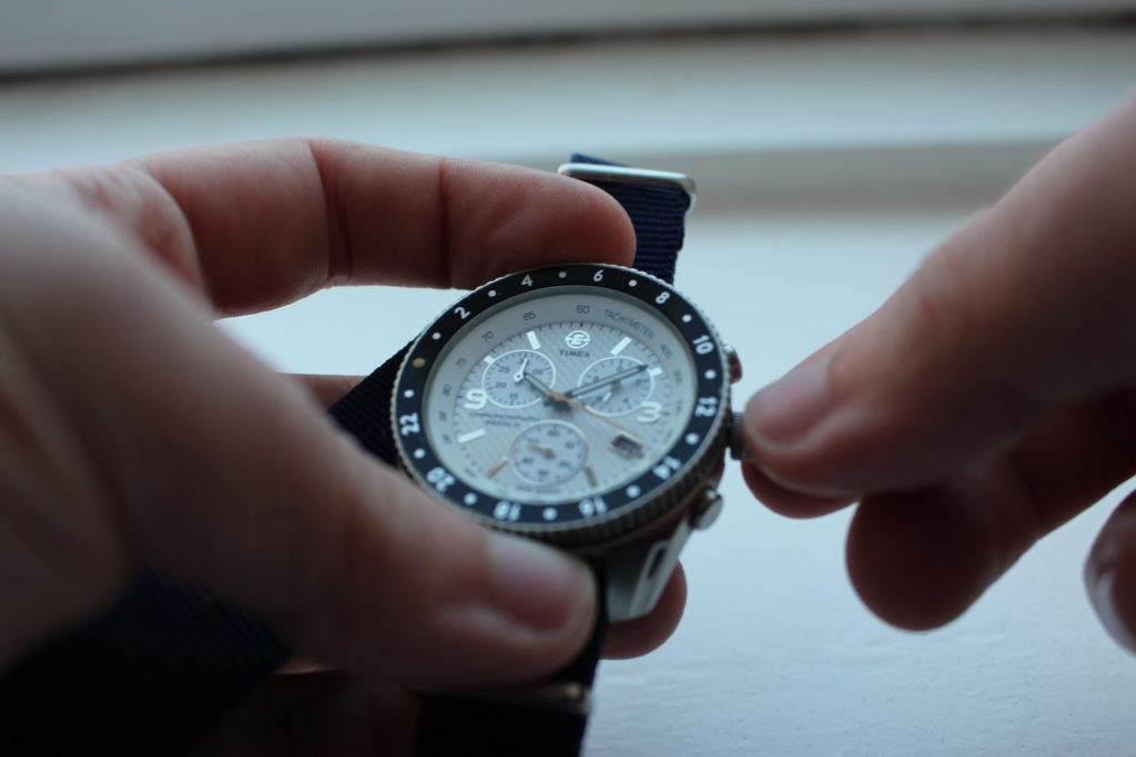 HAND WINDING FOR A MECHANICAL WATCH TIMEX